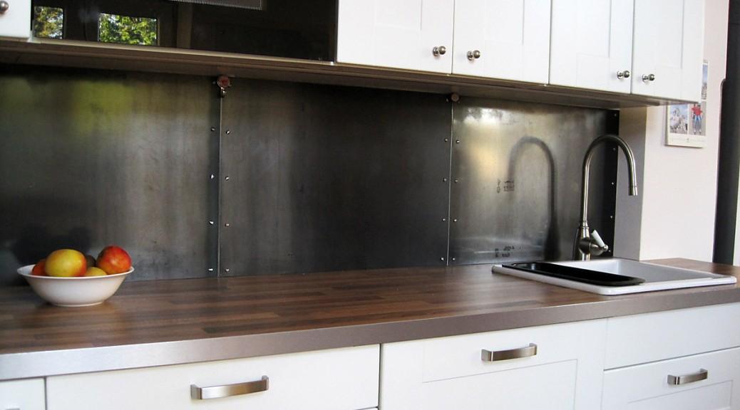 der magnetische fliesenspiegel aus stahl b ro f r m bel. Black Bedroom Furniture Sets. Home Design Ideas