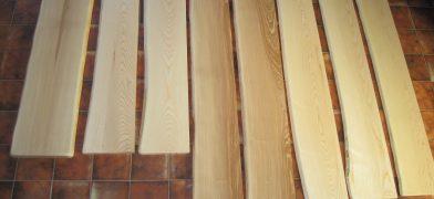 Holz-Fensterbank Esche mit Naturkante