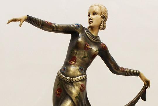 "Josef Lorenzl ""Tänzerin"", Art Deco Figur, versilberte Bronze"