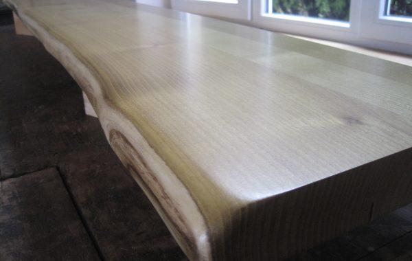 Holz-Fensterbänke mit Naturkante, Robinie (Akazie)