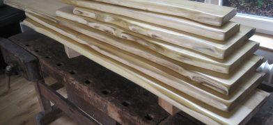 Holzfensterbank Robinie mit Baumkante