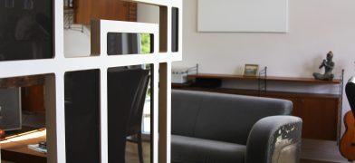 Moderner-Design-Raumteiler-Trennwand-Installation
