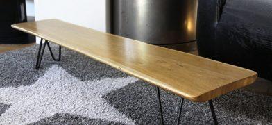 Wohnzimmertisch_Naturkante_Holz