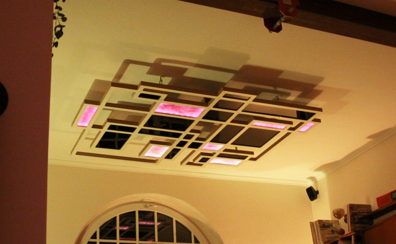 Schattenspiel Deckenlampe Installation Stimmungsleuchte