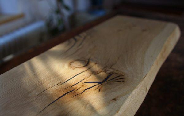 Eichen-Holzfensterbänke (Epoxi) mit Naturkante und Epoxidharz-Füllung