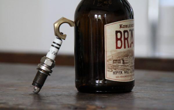 Der ZÜNDÖFFNER, eine Zündkerze als Flaschenöffner – Männer Geschenkidee z.B. zum Vatertag