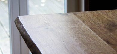 Eiche Tischplatte mit Naturkante