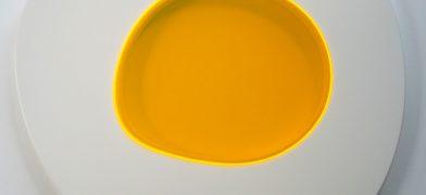 Spiegelei-Friet-Eggs-Series-Figur-Tisch